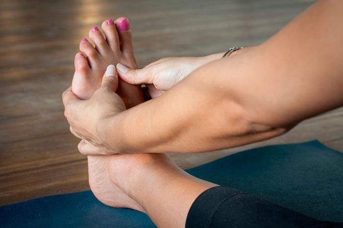 Pie valgo: tendencia a caminar con los pies hacia adentro, pronación. • Pie varo: esta vez el apoyo se realiza hacia el lado externo, supinación.